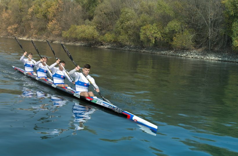 Slovenský olympijský štvorkajak v zložení Denis Myšák, Erik Vlček, Juraj Tarr a Tibor Linka